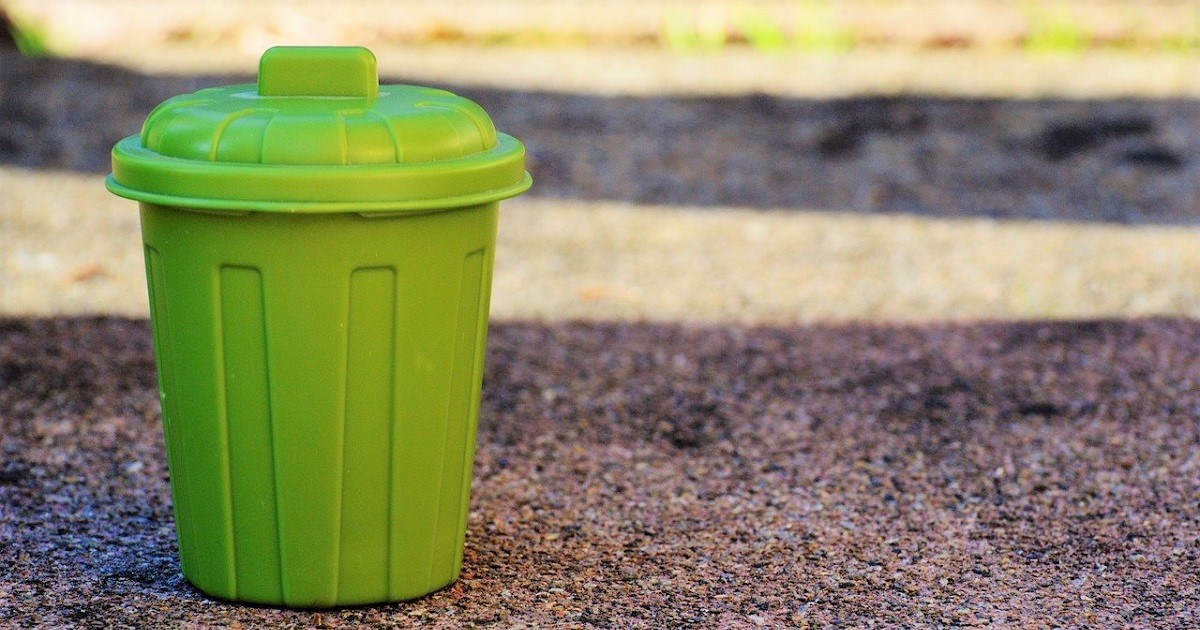 garbage-can-1111448_1280